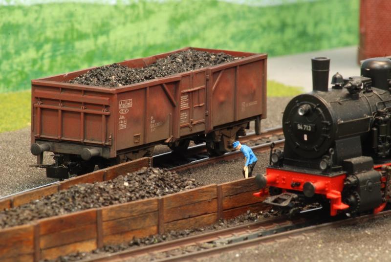 Kohlewagen in der Lokstation
