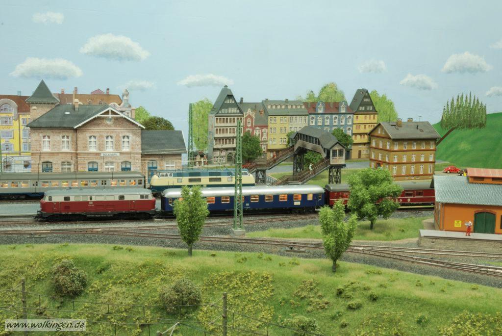 Blick auf die rechte Seite des Bahnhofs