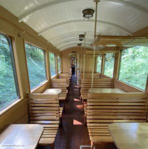Öchsle Bahn - Holzbänke